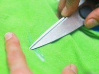 Как очистить клей момент с ткани