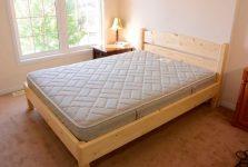Как самому сделать двуспальную кровать своими руками