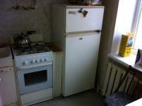 Что проложить между газовой плитой и холодильником